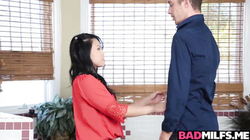 Cindy Starfall hops in the bath with Dylan and starts massaging his back!
