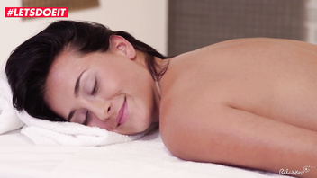 LETSDOEIT - Brunette Babe Gets Happy-End Massage Between Holidays (Ana Rose)