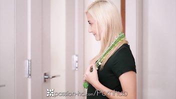 PASSION-HD Tiny Jade Amber fucks online hunk in vegas for st patricks day