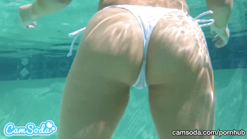 CamSoda - Alexis Monroe Underwater Sex Blowjob