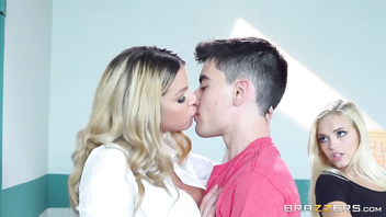 Teacher has threesome with two lucky students - Brazzers