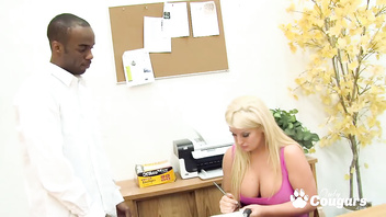 Julie Cash Lets The Black Delivery Boy Eat Out Her Big Ass