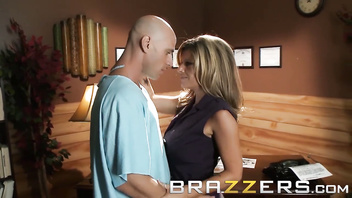 Kristal Summers Veronica Avluv Johnny Sins - Veronica Loves to Play Doctor