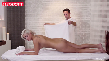 Czech Babe Ria Sun gets an intense happy end on the massage table