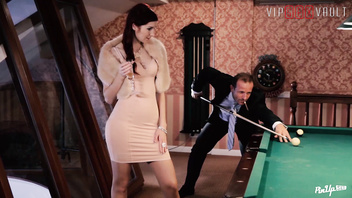 VIP SEX VAULT - Redhead Babe Kattie Gold Turns Date Into Pin Up Fantasy