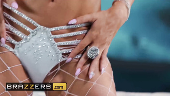 Big Wet Butts - (Brittany Andrews, Markus Dupree) - Full Moon - Brazzers