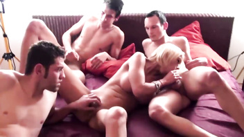 German Big Tit MILF in Privat Group Sex with 3 Young Boys