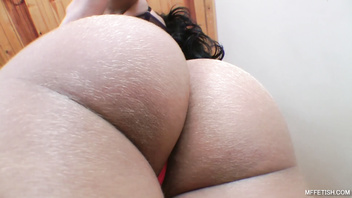 Perfect Trained Body For Facesitting - Splendid Round Ass for smothering