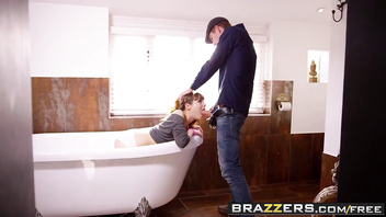 Teens like it big - the teen in the tub scene starring luna rival danny d