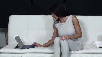 SOFIA CUCCI SQUIRTING SCHOOL-57