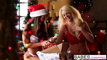 Babes - SECRET SANTA Courtney Taylor Eva Lovia