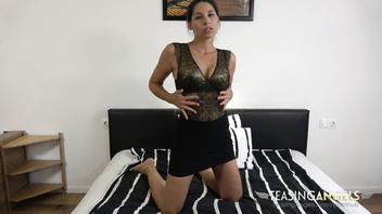 Lesbian Zafira gives a woman the night of her life