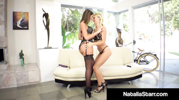 Foxy Fuck Fiends Natalia Starr & August Ames Eat That Pussy!