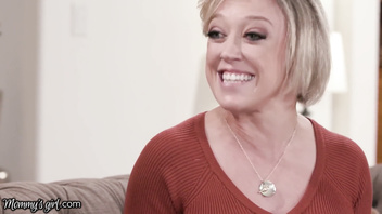 MommysGirl Emma Hix Spies Step-MILF Rubbing 1 Out HARD!