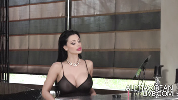 All Inclusive Massage With Aletta Ocean