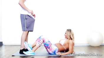 Naughty Stepson Fucks His Hot Stepmom During Family Workout