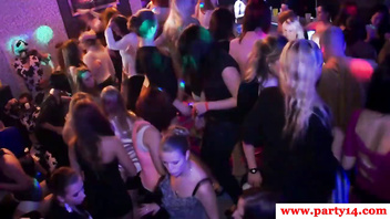 Sexy real party amateurs sucking cock on dance floor