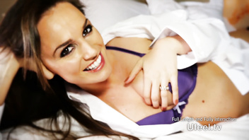 Interactive - Tori Black masturbates and makes you feel her pussy