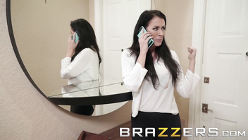 Brazzers - Milf Reagan Foxx cheats on her husband with stranger