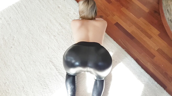 YASMIBUTT SEDUCED HER MAN WITH LATEX YOGA PANTS AND ANAL TATTOO