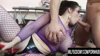 Monster Tits MILF Daphne Rosen Fills Her Holes with Toys and Cock