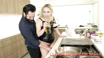 CUMKITCHEN: Nut Wacked & Waffles