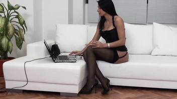 Sofia Cucci squirting school04