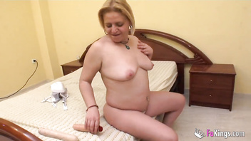 Mature, pleasure machine and always thinking 'bout sex. Such is Cristina