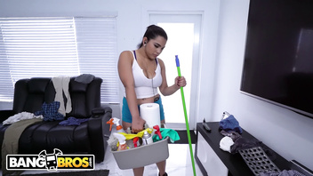 BANGBROS - Thicc Latina Maid Julz Gotti Cleaned My House and My Cock