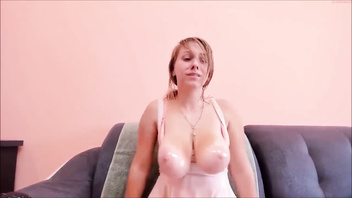 Amazing huge natural webcam jiggly tits on ChatGirls.cloud