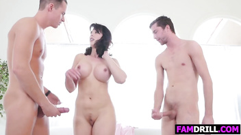 Nailing Their Stuck Stepsister Amber Chase