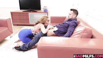 Unsuspected Threesome With Brenna Sparks and Richelle Ryan