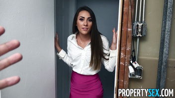PropertySex - Carpenter lays the pipe on hot young real estate agent