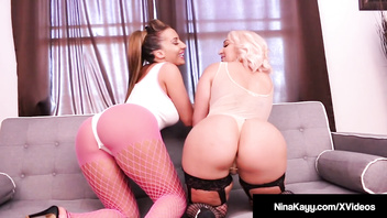 69iners Nina Kayy & Richelle Ryan Scissor Fuck Their Pussies