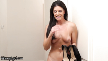 MommysGirl India Summer Can't Control Her Lust For Step-Daughter!
