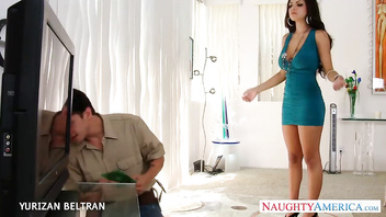 Elegant babe in blue dress Yurizan Beltran take cock