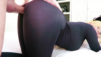 #ROLEPLAY2018 Tight crotchless Catsuit Slut gettin fucked with huge cumshot
