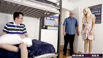 MomsTeachSex - Hot MILF Gets StepSon Ready For College Girls S10:E3